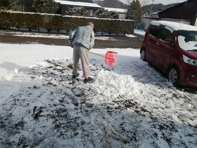 20190406雪かき父 (1).jpg