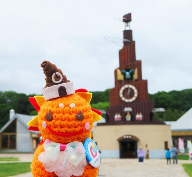 20200628おんねゆ温泉道の駅 鳩時計とKITAMI SUN(北見さん)3.JPG